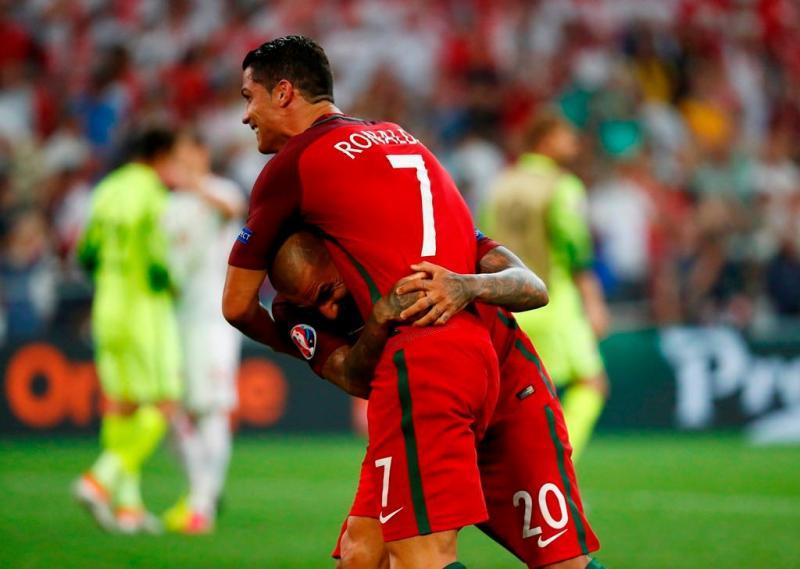 d2811ee176 31 128 - Cristiano Ronaldo e Ricardo Quaresma - Jogo Portugal vs Polónia - Euro  2016 30.06.2016 Foto  Reuters