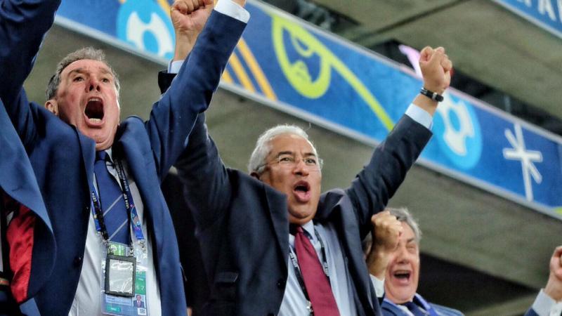 António Costa festeja passagem de Portugal às meias-finais do Euro 2016