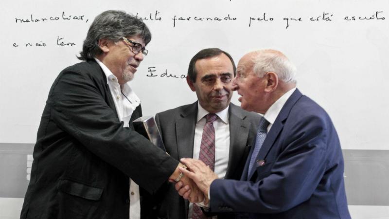 Luís Sepúlveda recebeu Prémio Eduardo Lourenço 2016 [Foto: Miguel Pereira da Silva / Lusa]