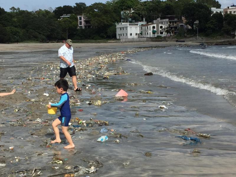 Lixo sem precedentes nas praias