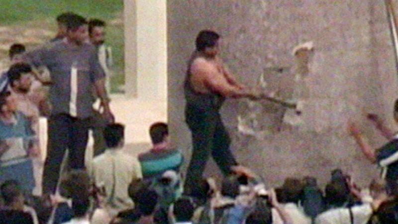 Destruição da estátua de Saddam Hussein em 2003