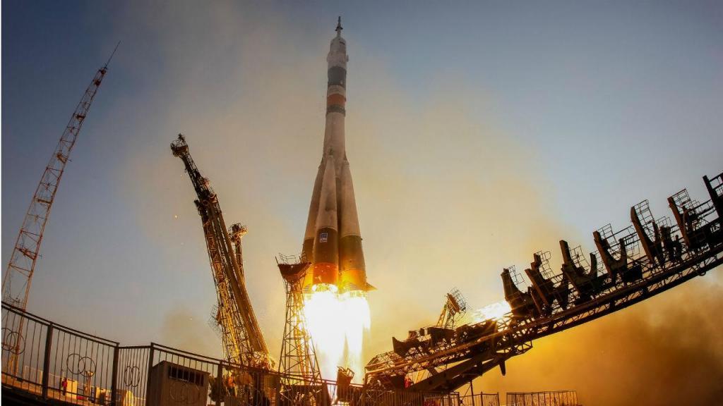 Nave espacial Soyouz, com destino à Estação Espacial Internacional, partiu da Cazaquistão
