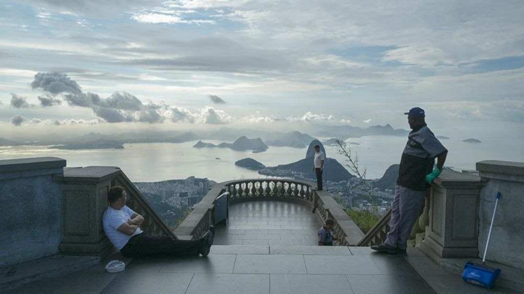 Britânico fotografa pontos turísticos 'ao contrário'