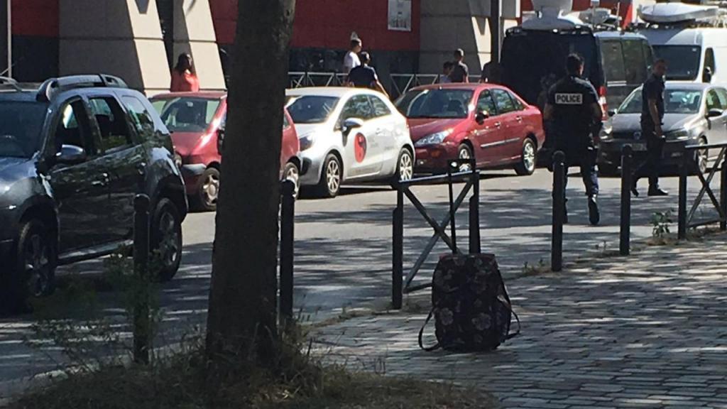 Mala suspeita encontrada junto ao hotel da seleção francesa
