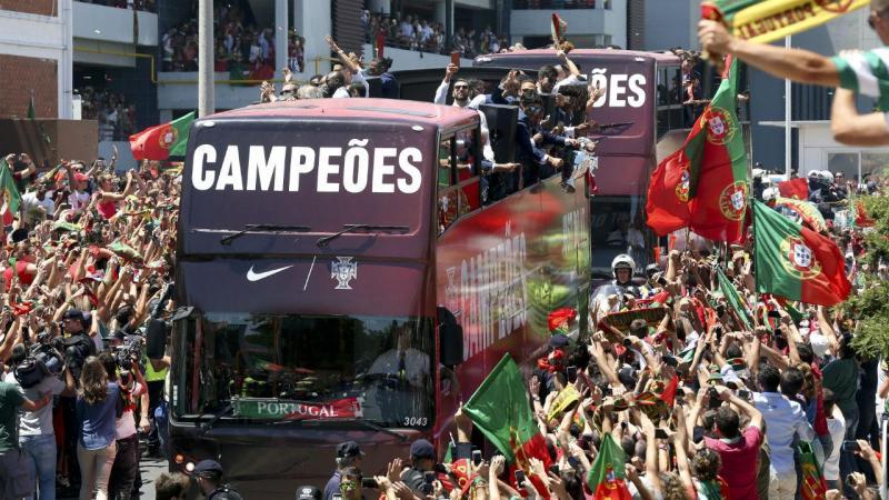 Chegada da seleção a Portugal