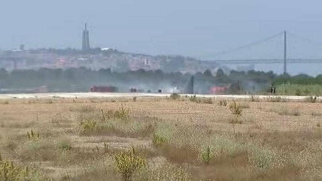 Imagens do acidente do C-130 na base aérea do Montijo