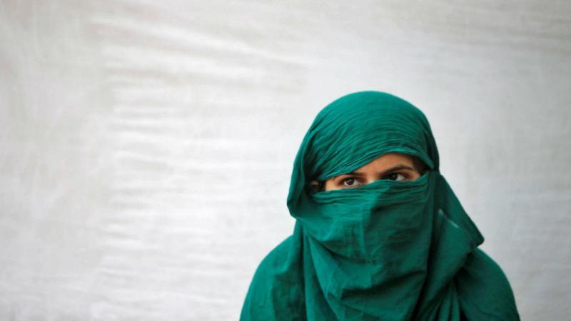 Índia: uma vítima de violação em protesto