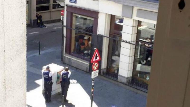 Suspeito cercado pela polícia em Bruxelas