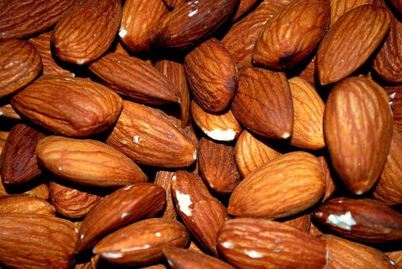 Amêndoas: este fruto seco deve ser comido em pequenas porções. É recomendado para saciar a fome entre as refeições