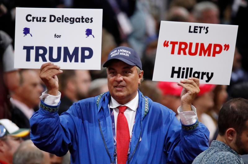 Republicanos vestem-se a rigor na convenção para apoiar o candidato Donald Trump