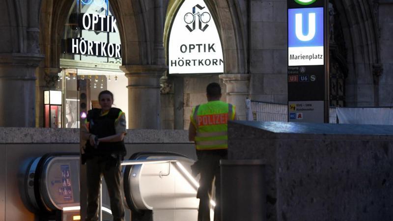 Polícia patrulha Marienplatz, em Munique