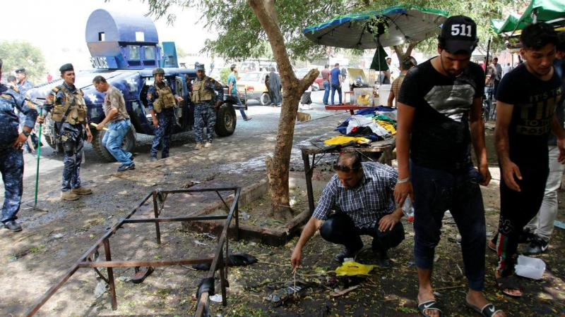 Local onde bombista suicida se fez explodir em Bagdad (Arquivo)