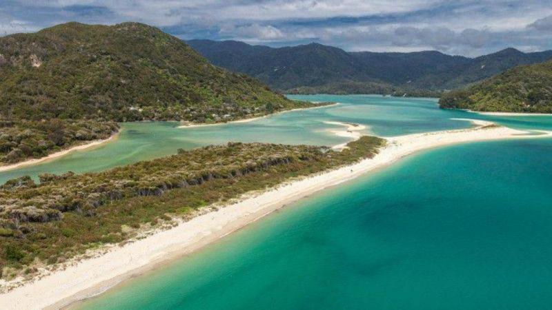 Praia Awaroa, na Nova Zelândia