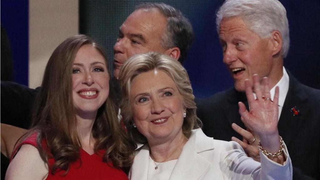 Chelsea Clinton, de menina a mulher, uma vida com a Casa Branca sempre presente