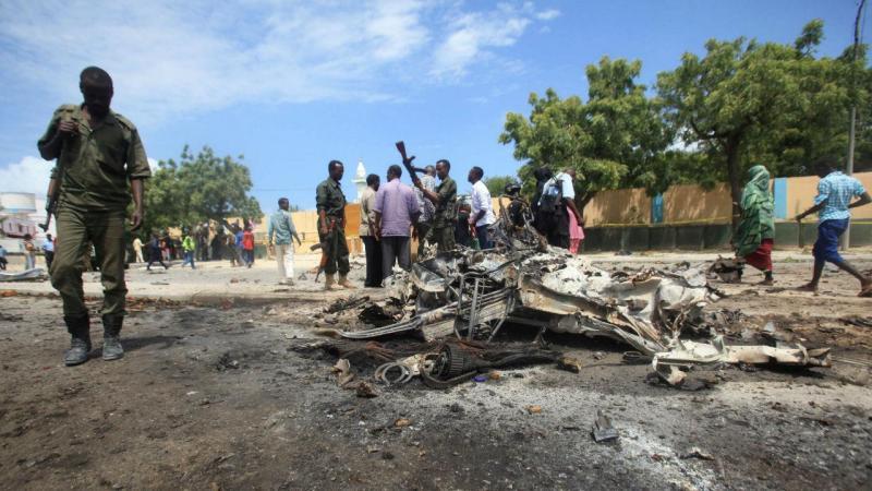 Dois carros-bomba fazem vários mortos na Somália