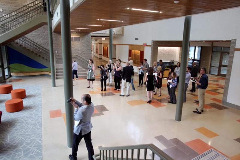As portas da nova escola foram abertas à comunicação social