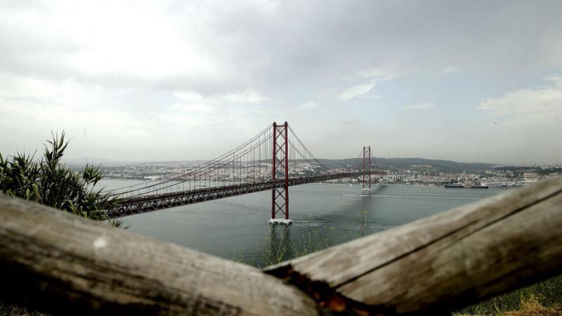 Ponte 25 de Abril vista de Almada