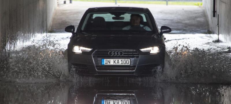 Audi A4 submetido ao