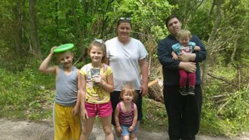 Candy Arthurs com os netos e um dos filhos