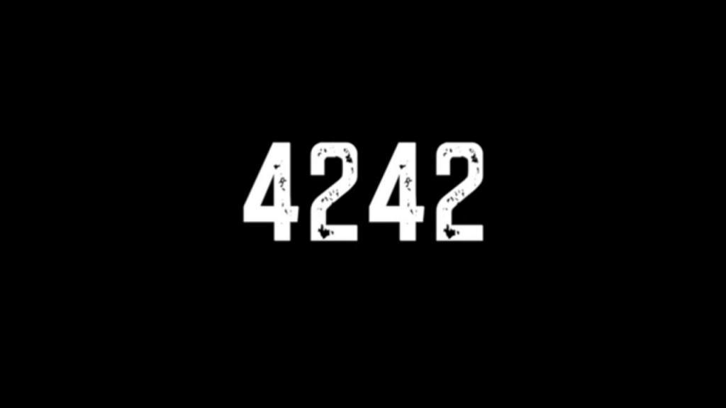 4242, de Sara Eustáquio