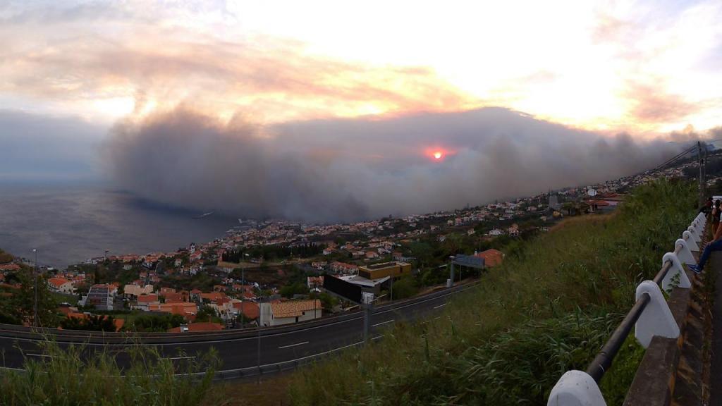 Eu vi: incêndio no Funchal (foto enviada por David Barreira)