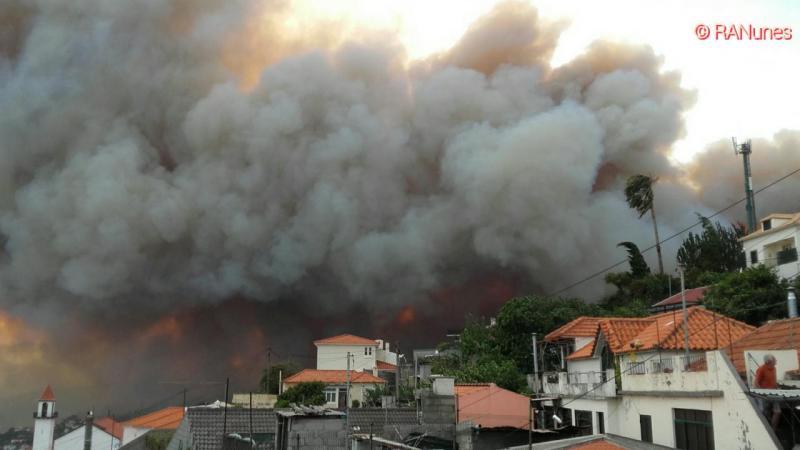 Eu vi: incêndio no Funchal (foto enviada por Raúl Nunes)