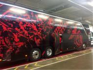 Autocarro do Benfica com imagem renovada (fonte: twitter)