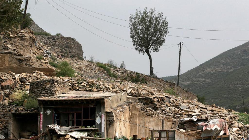Solos exaustos pela exploração mineira estão a destruir várias localidades na china