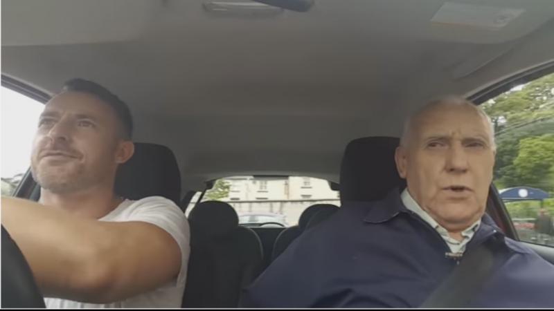 Simon e Ted conseguiram arrecadar 30.500 euros para a Alzheimer Society