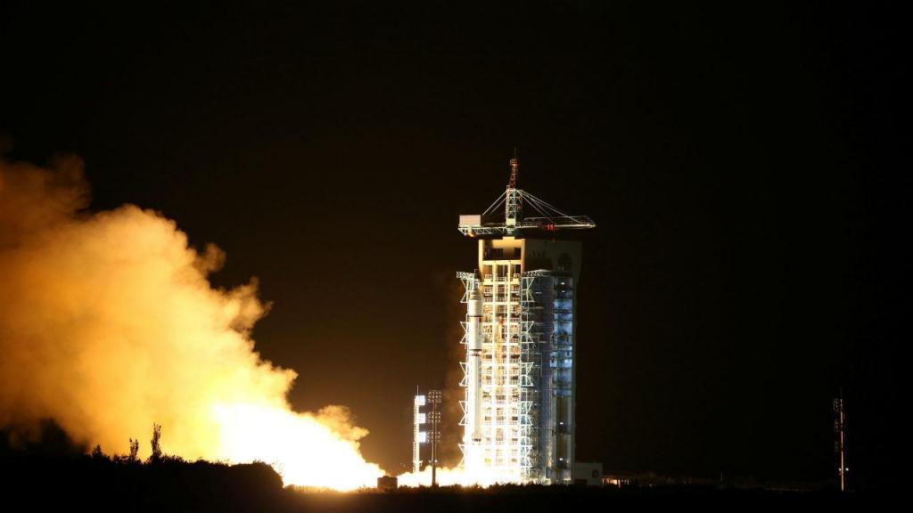 Satélite de telecomunicação quântica [Foto: Reuters]