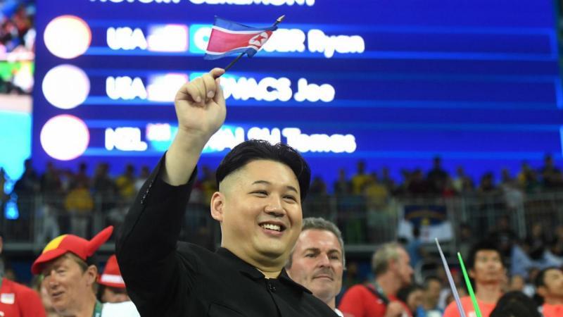 Rio2016: duplo de líder norte-coreano causa sensação no Brasil