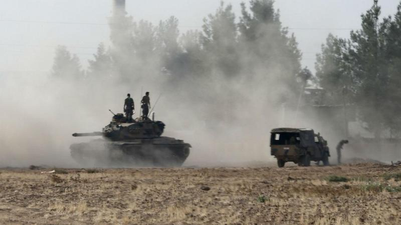Exército turco entra na Turquia