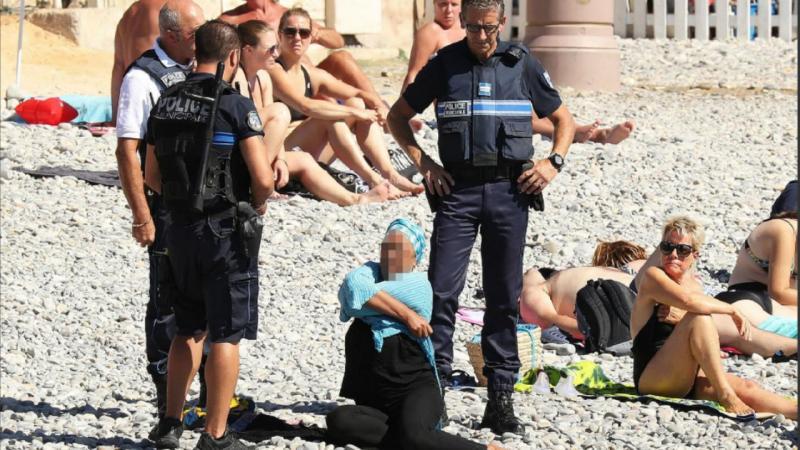 Mulher obrigada a despir-se na praia pela polícia francesa