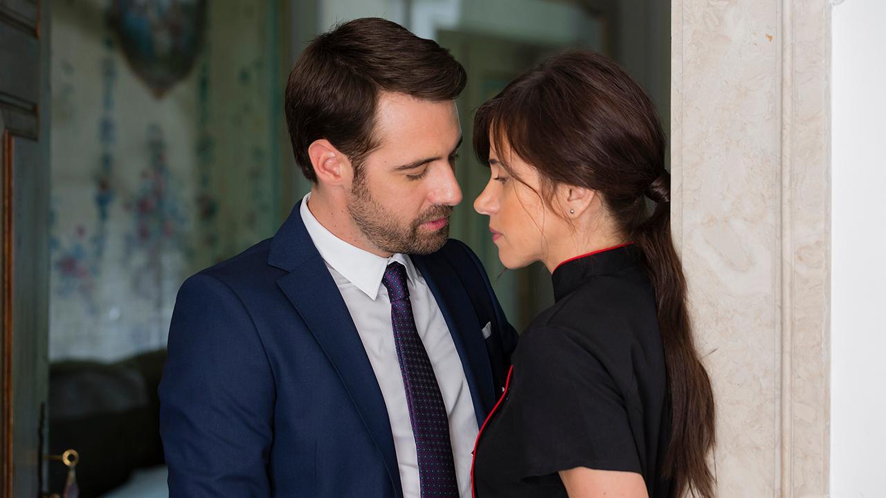 Frederico mete-se com Verónica