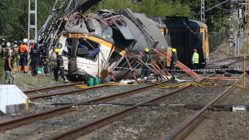 Descarrilamento de comboio da CP na Galiza. Há vítimas mortais e dezenas de feridos