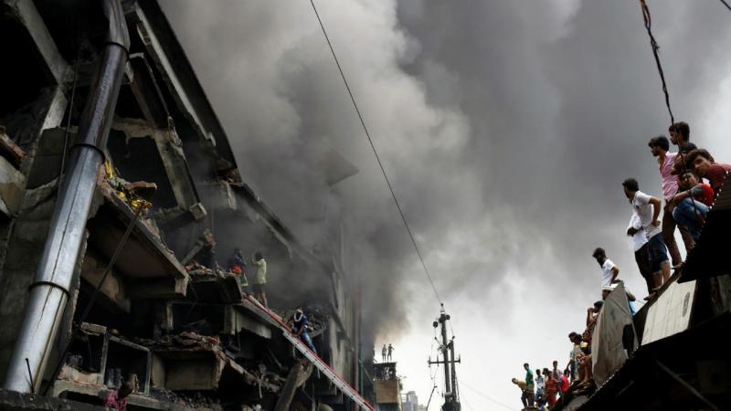 Incêndio em fábrica no Bangladesh