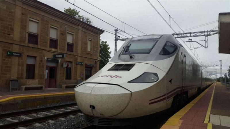 Maquinista da Renfe para comboio para não fazer horas a mais de trabalho