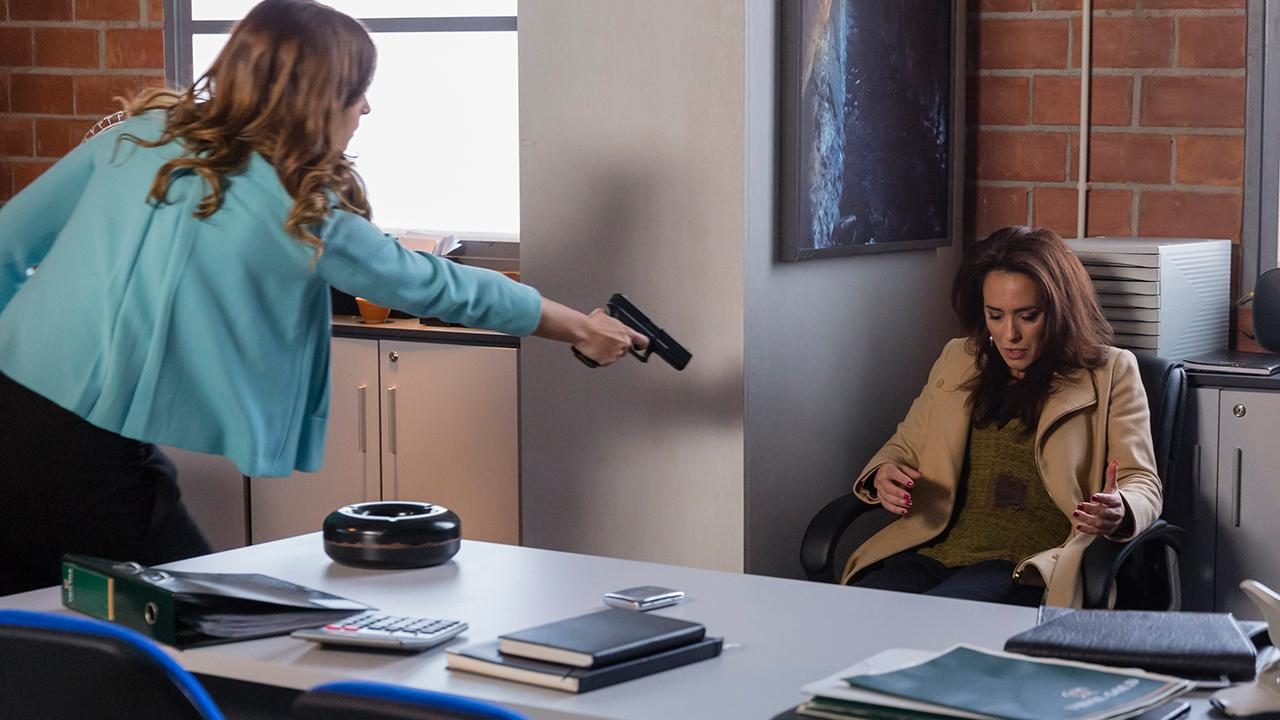 Antónia e Gabriela trocam tiros