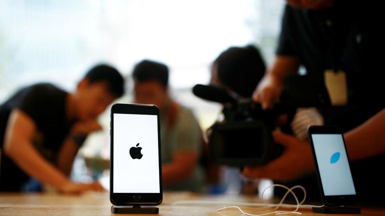 Venda dos primeiros iPhone 7 na China