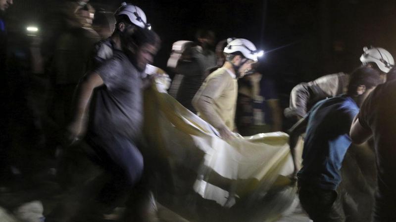 Capacetes brancos socorrem civis na Síria