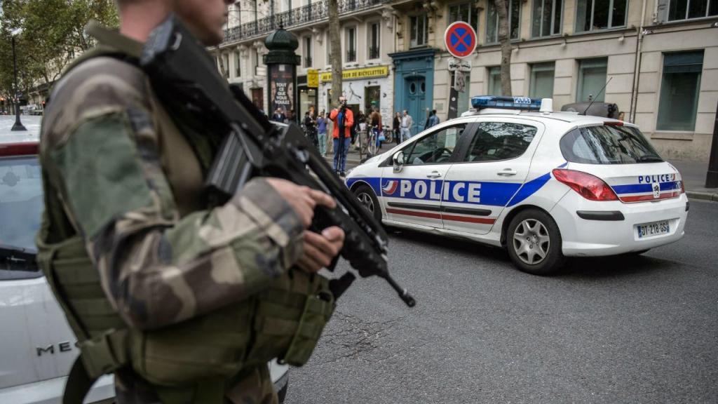 Dois mortos e sete feridos em ataque com arma branca no sudeste de ...