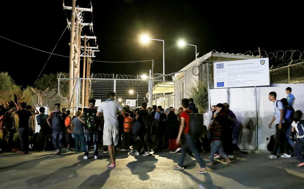 O que resta de um campo de refugiados em Lesbos, na Grécia, após um incêndio
