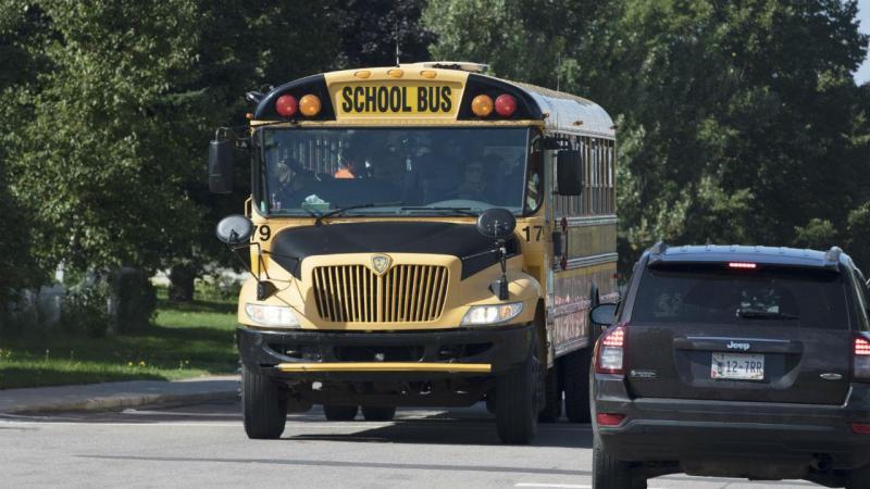 Dezenas de escolas foram evacuadas no Canadá