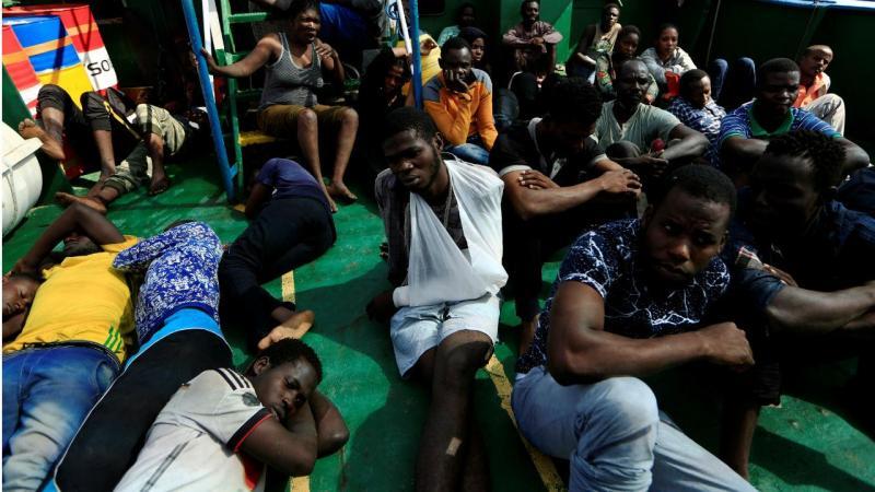 Resgate de migrantes ao largo da Líbia