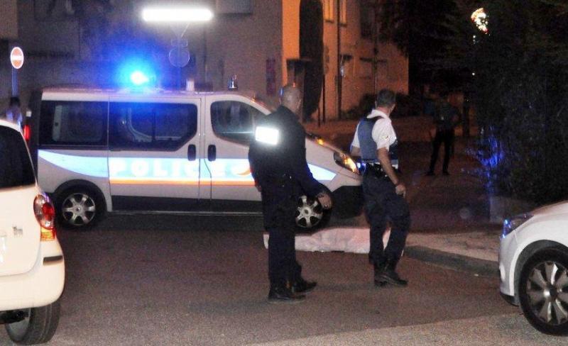 Polícia francesa em Cavaillon (foto La Provence)