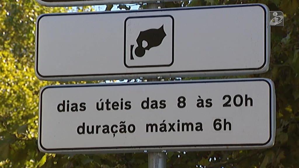Estacionamento no Porto: autarca responde às críticas no Facebook