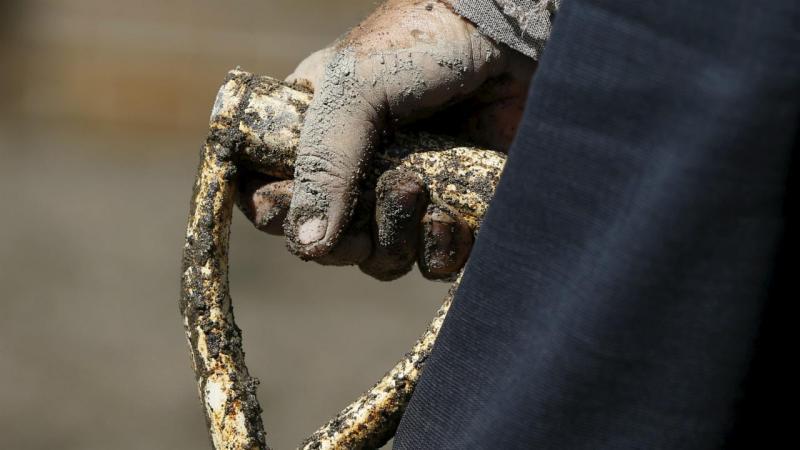 Resultado de imagem para Trabalhador morre em central de betão no Caniçal
