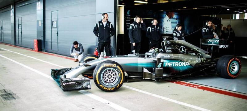 Jorge Lorenzo com o F1 da Mercedes