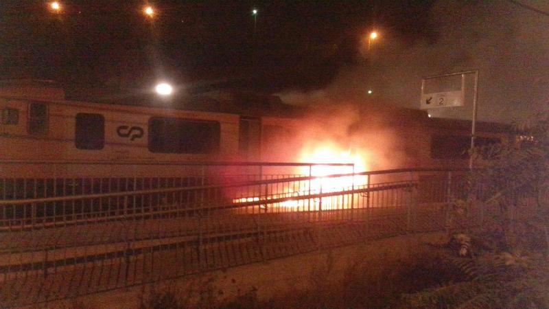 Comboio incendeia-se no Juncal, Marco de Canaveses