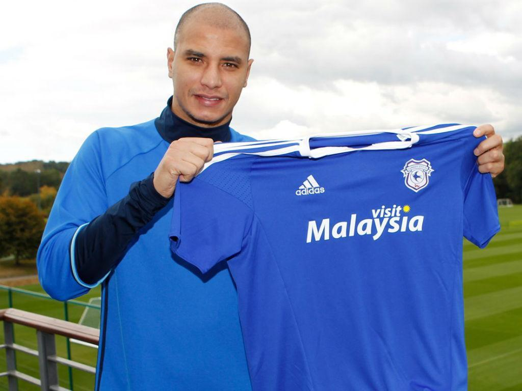 Marouane Chamakh assinou pelo Cardiff